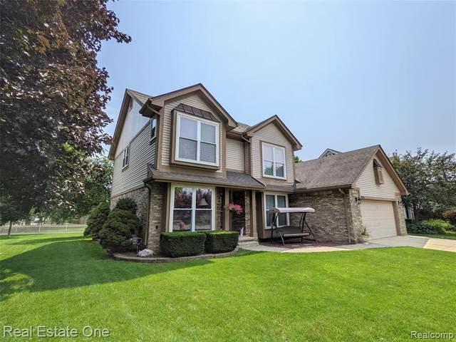 34516 Clearview Cir, Sterling Heights, MI 48312 (MLS #2210059013) :: Kelder Real Estate Group