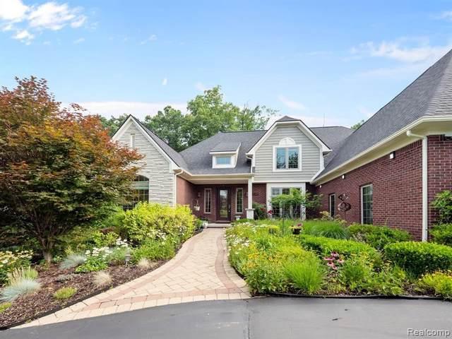 1860 W Bend Dr, Bloomfield Hills, MI 48302 (MLS #2210062009) :: Kelder Real Estate Group