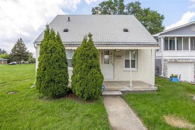 17823 E 10 MILE RD, Roseville, MI 48066 (MLS #2210062137) :: The BRAND Real Estate