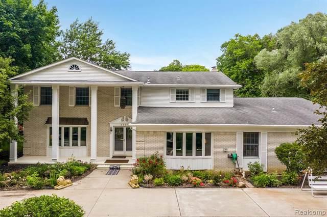 2526 Bretby Dr, Troy, MI 48098 (MLS #2210064204) :: Kelder Real Estate Group