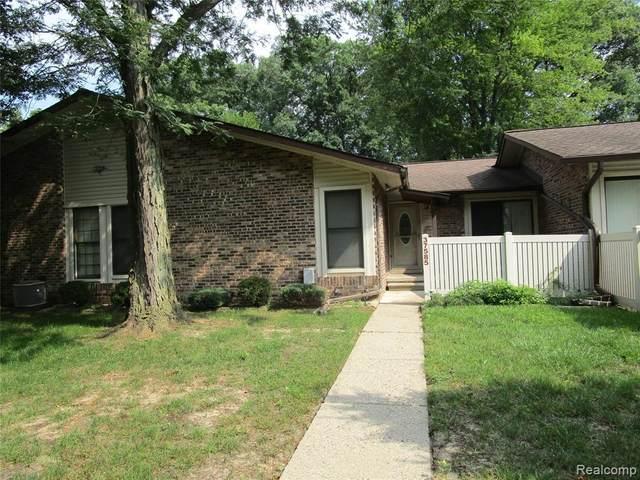 37585 Barkridge Cir Unit#55, Westland, MI 48185 (MLS #2210065710) :: The BRAND Real Estate