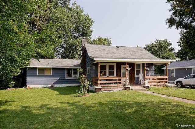 805 E Mount Morris St, Mount Morris, MI 48458 (MLS #2210065687) :: Kelder Real Estate Group