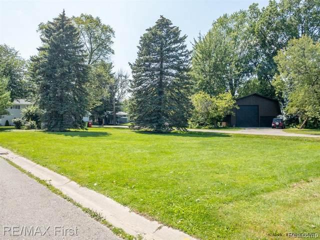 0 Clintonview, Harrison Twp, MI 48045 (MLS #2210065874) :: The BRAND Real Estate
