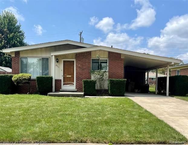 3711 Greenway Ave, Royal Oak, MI 48073 (MLS #2210062615) :: Kelder Real Estate Group
