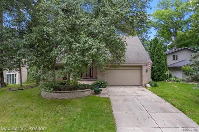 2350 Uplong St, West Bloomfield, MI 48324 (MLS #2210066338) :: Kelder Real Estate Group