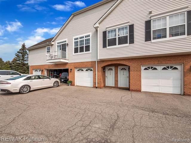 613 Olde English Cir, Howell, MI 48855 (MLS #2210066002) :: The BRAND Real Estate