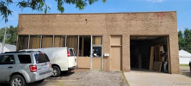 24750 5 MILE RD, Redford, MI 48239 (MLS #2210068630) :: The BRAND Real Estate