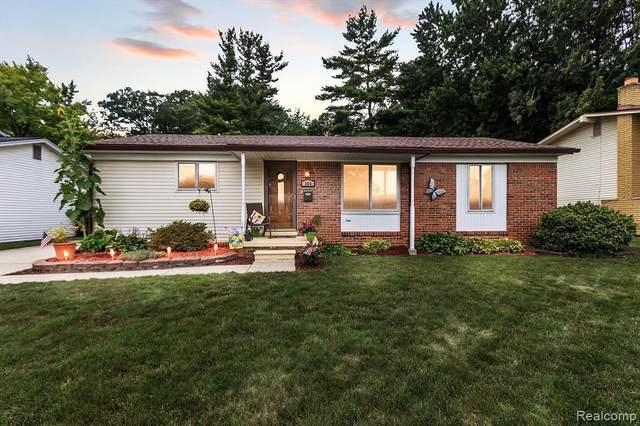 264 Surrey Hts, Westland, MI 48186 (MLS #2210067708) :: Kelder Real Estate Group