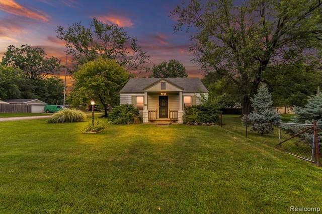 35150 College St, Westland, MI 48185 (MLS #2210067720) :: The BRAND Real Estate