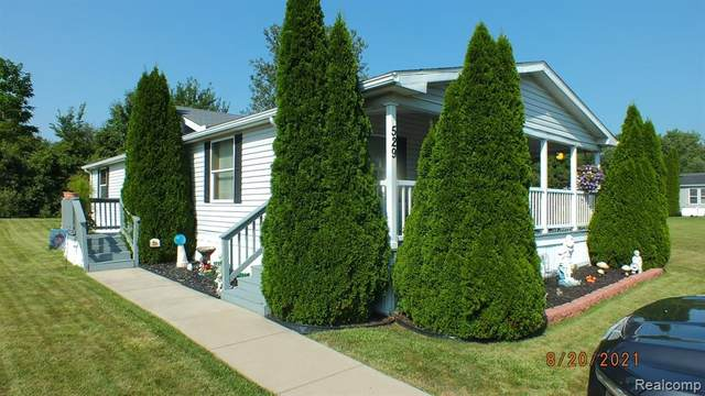 529 Burwick, Temperance, MI 48182 (MLS #2210069676) :: The BRAND Real Estate