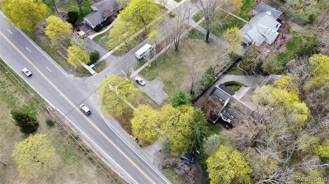 1563 Lakeside Rd, Birmingham, MI 48009 (MLS #2210071710) :: Kelder Real Estate Group