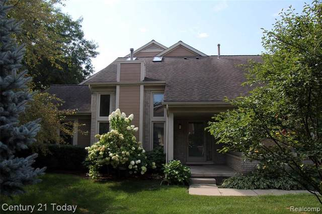 9332 Eastwind Dr Unit#75, Livonia, MI 48150 (MLS #2210071356) :: The BRAND Real Estate
