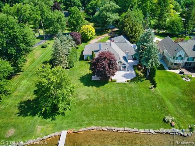 2020 Lake Angelus Shrs, Lake Angelus, MI 48326 (MLS #2210072519) :: Kelder Real Estate Group