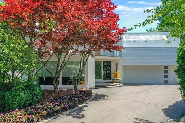 660 Mohegan St, Birmingham, MI 48009 (MLS #2210074708) :: Kelder Real Estate Group