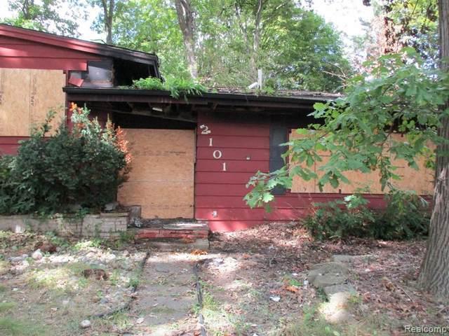 2101 Winona St, Flint, MI 48504 (MLS #2210078348) :: The BRAND Real Estate