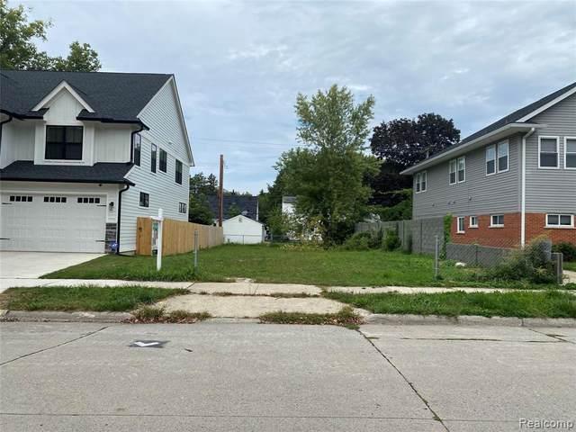 330 Mary Ave, Royal Oak, MI 48073 (MLS #2210071301) :: Kelder Real Estate Group
