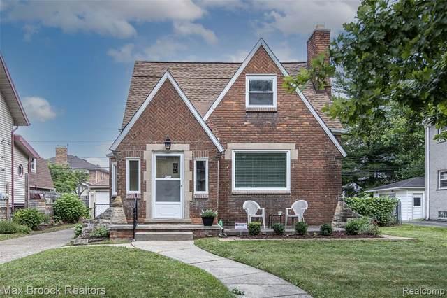 203 Oakdale St, Royal Oak, MI 48067 (MLS #2210078390) :: The BRAND Real Estate