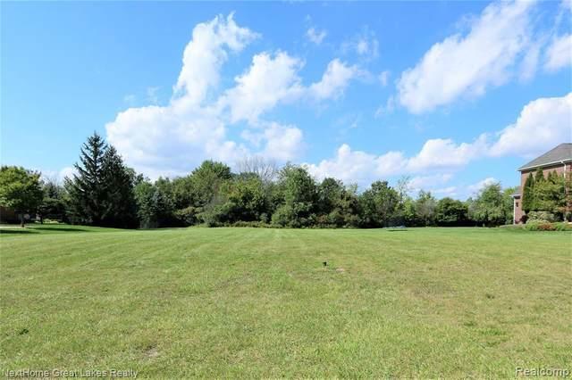 16873 Kings Fairway Ln, Grand Blanc, MI 48439 (MLS #2210078149) :: Kelder Real Estate Group