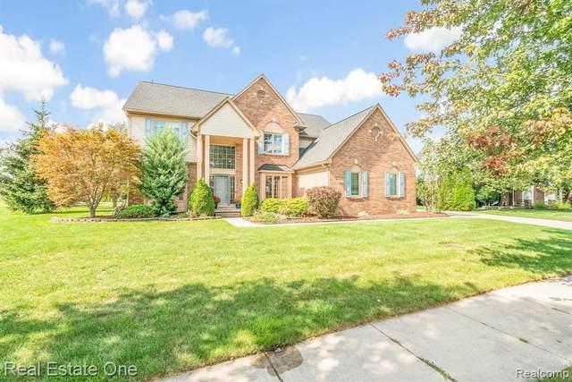 460 Belvedere Crt N, Canton, MI 48188 (MLS #2210076683) :: The BRAND Real Estate