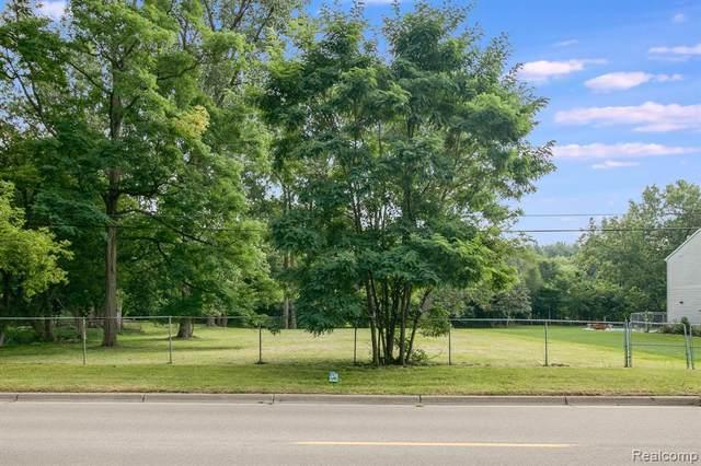 VACANT Gill, Farmington Hills, MI 48335 (MLS #2210070412) :: Kelder Real Estate Group