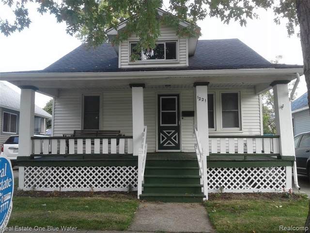 1221 Varney St, Port Huron, MI 48060 (MLS #2210078941) :: The BRAND Real Estate