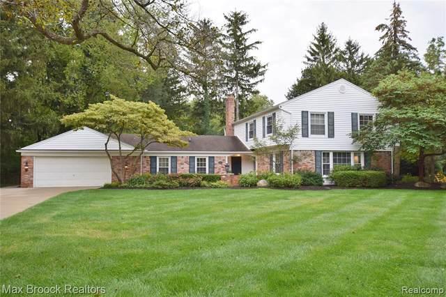 3211 E Bradford Dr, Bloomfield Hills, MI 48301 (MLS #2210078886) :: The BRAND Real Estate