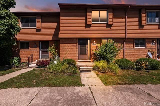 3654 Old Creek Rd, Troy, MI 48084 (MLS #2210080751) :: Kelder Real Estate Group