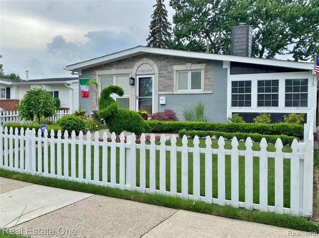 3913 Edgeland Ave, Royal Oak, MI 48073 (MLS #2210081862) :: Kelder Real Estate Group