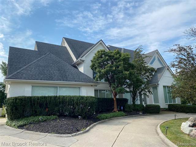 6196 Cromwell Rd, West Bloomfield, MI 48322 (MLS #2210082287) :: Kelder Real Estate Group