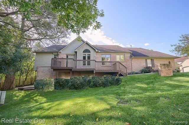 37536 Legends Trail Dr, Farmington Hills, MI 48331 (MLS #2210082383) :: Kelder Real Estate Group