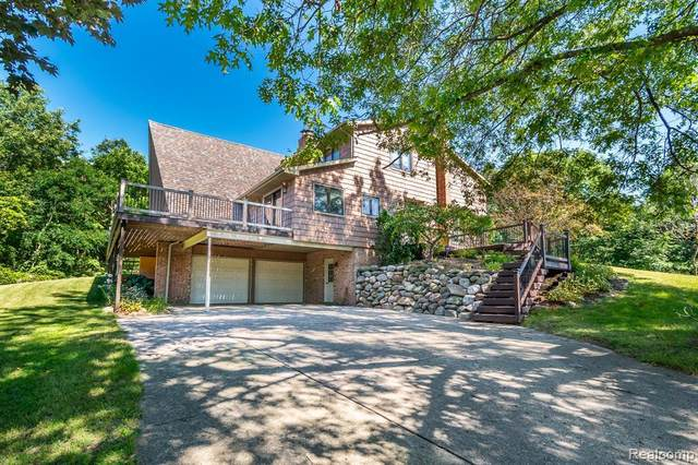 16121 Catalpa Ridge Dr, Holly, MI 48442 (MLS #2210084728) :: Kelder Real Estate Group