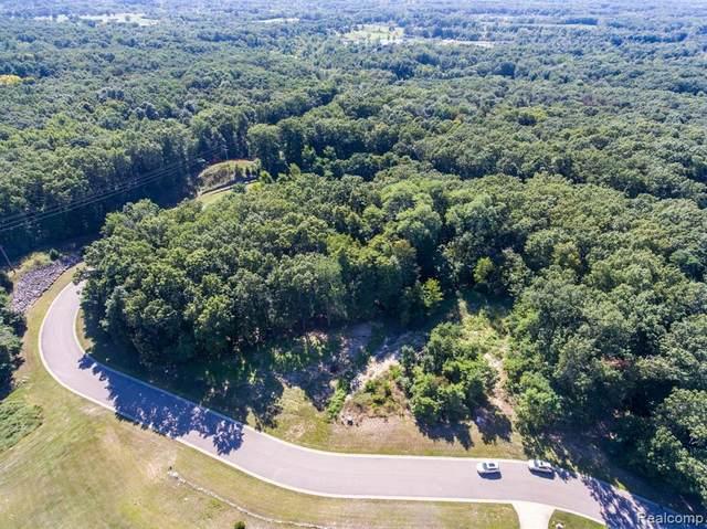 16124 Catalpa Ridge, Holly, MI 48442 (MLS #2210084737) :: Kelder Real Estate Group