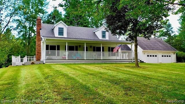 8200 Tiffany Dr, Almont, MI 48003 (MLS #2210075481) :: Kelder Real Estate Group