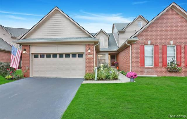 6972 Stonewood Place Dr, Clarkston, MI 48346 (MLS #2210084953) :: Kelder Real Estate Group