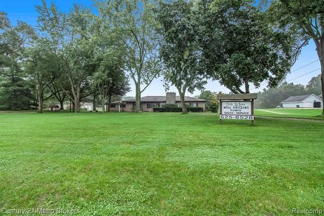 10075 Davisburg Rd, Davisburg, MI 48350 (MLS #2210084257) :: Kelder Real Estate Group