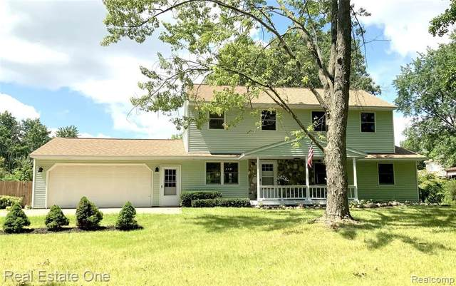 5971 Farley Rd, Clarkston, MI 48346 (MLS #2210085721) :: Kelder Real Estate Group