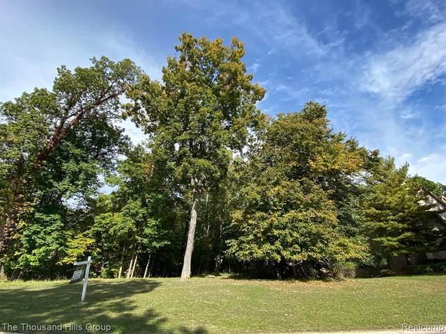 Lot 91 Oak Trail, West Bloomfield, MI 48322 (MLS #2210082386) :: Kelder Real Estate Group