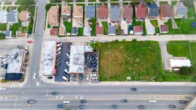 6063 Schaefer Rd, Dearborn, MI 48126 (MLS #2210086492) :: Kelder Real Estate Group