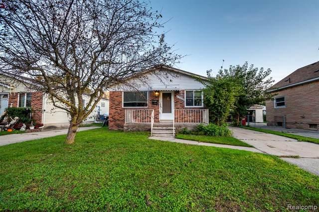 17443 Roseville Blvd, Roseville, MI 48066 (MLS #2210086536) :: Kelder Real Estate Group