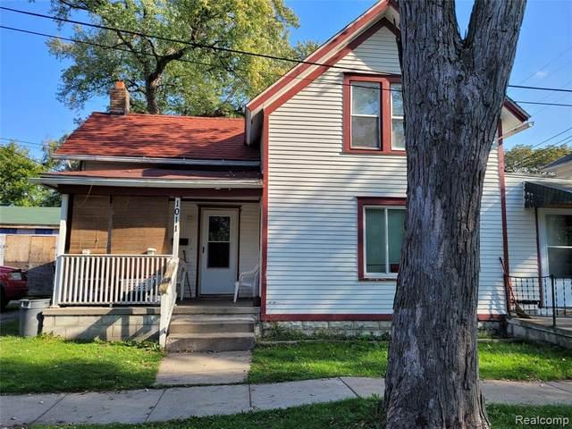 1011 E 4TH ST, Monroe, MI 48161 (MLS #2210086884) :: Kelder Real Estate Group