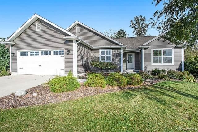 5305 Brookshire Dr, Almont, MI 48003 (MLS #2210085885) :: Kelder Real Estate Group