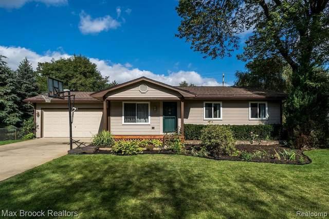 9050 Funston Blvd, White Lake, MI 48386 (MLS #2210086608) :: Kelder Real Estate Group