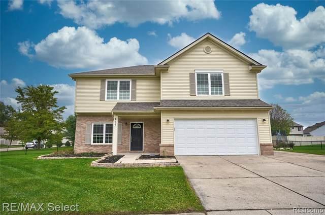 357 Sweet Briar Rdg, Linden, MI 48451 (MLS #2210086809) :: Kelder Real Estate Group