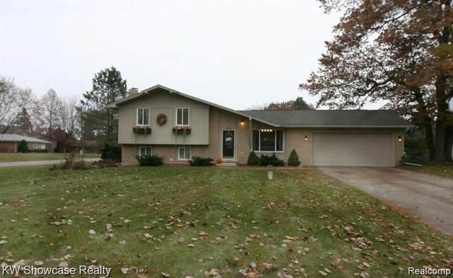 3852 Tara Dr, Highland, MI 48356 (MLS #2210085988) :: Kelder Real Estate Group