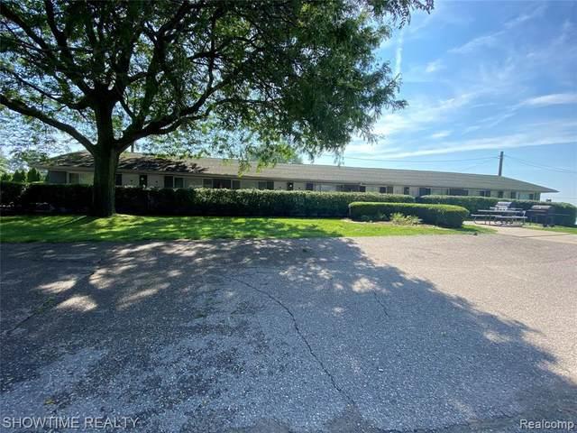 10161 Dixie Hwy, Ira, MI 48023 (MLS #2210087188) :: Kelder Real Estate Group