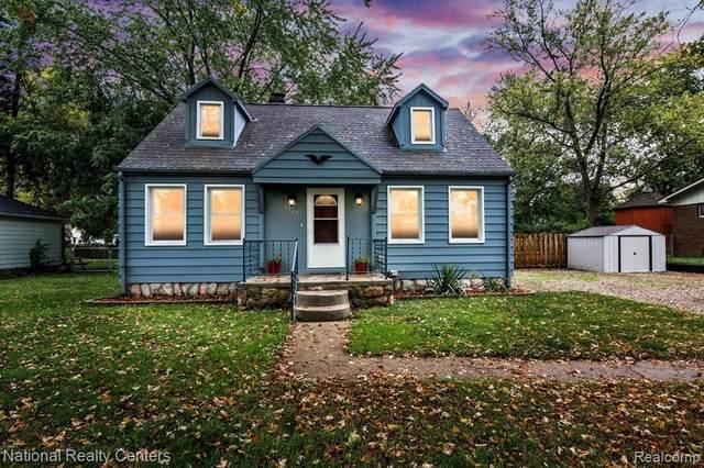 3565 Emmons Ave, Rochester Hills, MI 48307 (MLS #2210086615) :: Kelder Real Estate Group