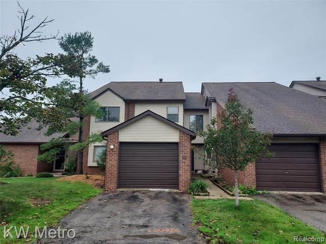 6705 Ridgefield Cir Unit#102-Bldg#6, West Bloomfield, MI 48322 (MLS #2210087231) :: Kelder Real Estate Group