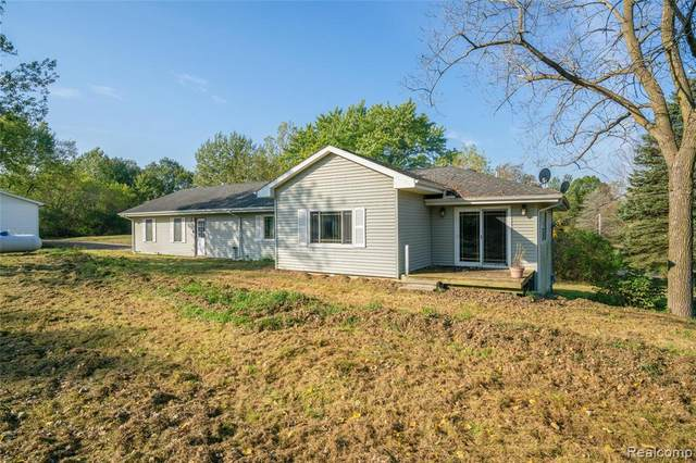 4044 Skelton Rd, Columbiaville, MI 48421 (MLS #2210086826) :: Kelder Real Estate Group