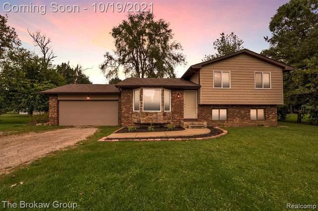 6135 Sugarloaf Dr, Grand Blanc, MI 48439 (MLS #2210087127) :: Kelder Real Estate Group