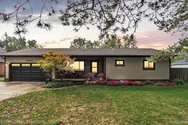 2852 Iowa Dr, Troy, MI 48083 (MLS #2210085949) :: Kelder Real Estate Group